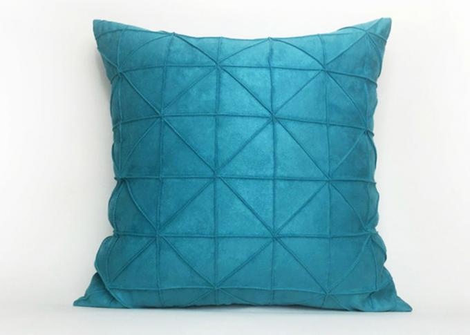 Handmade Velvet Throw Pillows , Portable Triangle Decorative Pillows For Couch