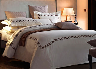 China Home / Hotel Modern Duvet Covers And Shams Embroidered 4 Pcs Patten Customized supplier