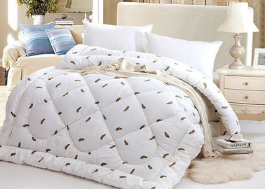China Warm Alternative Down Comforter , Machine Quilting Feather Down Comforter supplier