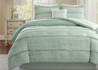 China Soft Ruffle Lightweight Down Alternative Comforter Set Multiple Colors Optional supplier