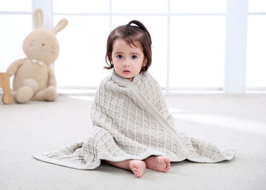China Knitted Personalized Cotton Baby Blankets , Customized Oblong Unique Baby Bedding Sets supplier