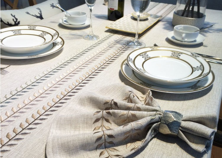 100% Linen Cotton Tablecloths , Country Style Leaves Vintage Embroidered  Tablecloth