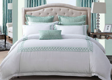 Simple Modern Bedding Sets 100% Cotton Embroidered With Twin / Queen / King Size
