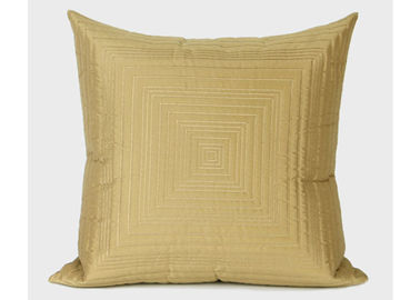 Customized Geometric Cushion Covers Light Gold Throw Pillows For Outdoor Seat